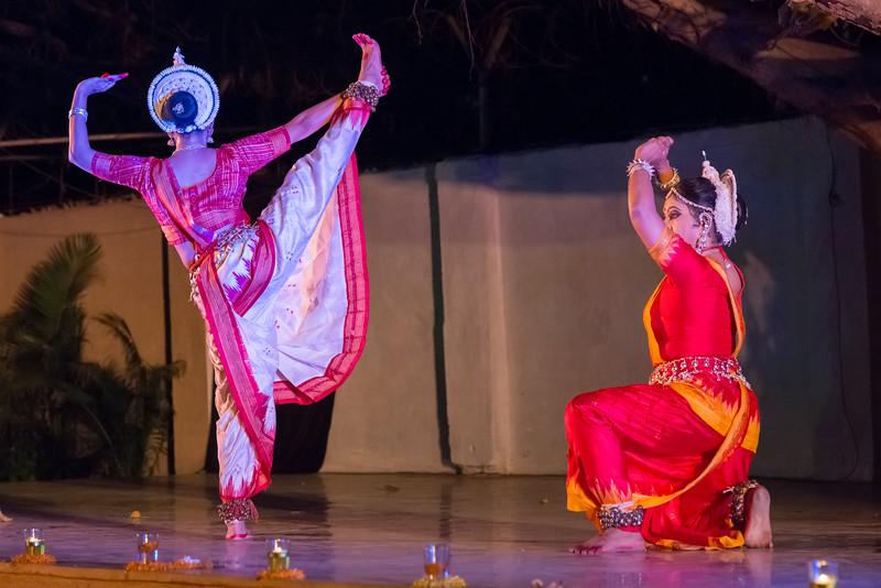 Guru Smt Shubhada Varadkar and disciples Mitali Varadkar and Shreya Sabharwal. Sanskrita Foundation (Mumbai) <br /> Mumbai Odissi Utsav. Day 2 - 18th Feb 2018.