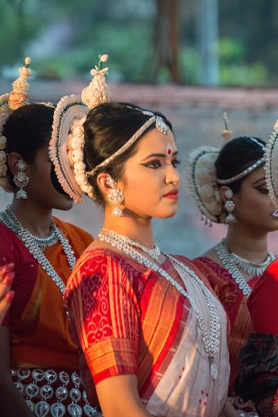 Start of day two at Mumbai Odissi Utsav Day 2 - 18th Feb 2018 with a prayer invocation.<br /> <br /> Pandit Nayan Ghosh, Smt Daksha Mashruwala, Smt Namrata Mehta, Smt Shubhada Varadkar, Smt Jhelum Paranjape, Smt Jyoti Shrivastava, Smt Prachi Save Saathi and many other dancers at Sangit Mahabharati, Juhu Scheme (JVPD), 400049 Mumbai, Maharashtra.
