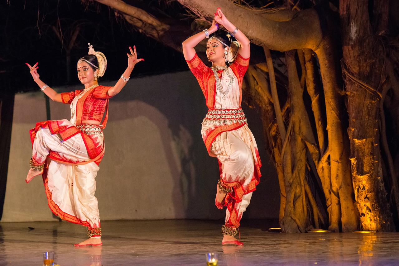 Shivpanchaksha Stotram (Adi Shankaracharya). Duet by Mitali Varadkar and Shreya Sabharwal. Sanskrita Foundation (Mumbai) (Guru Smt Shubhada Varadkar and disciples)<br /> Mumbai Odissi Utsav. Day 2 - 18th Feb 2018.