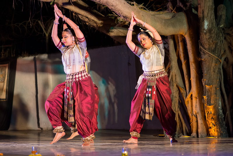 Namrata Mehta and Subrata Tripathy. Kaishiki Nrityabhasha (Mumbai) (Group: Guru Smt Daksha Mashruwala and Disciples)<br /> Mumbai Odissi Utsav. Day 2 - 18th Feb 2018.