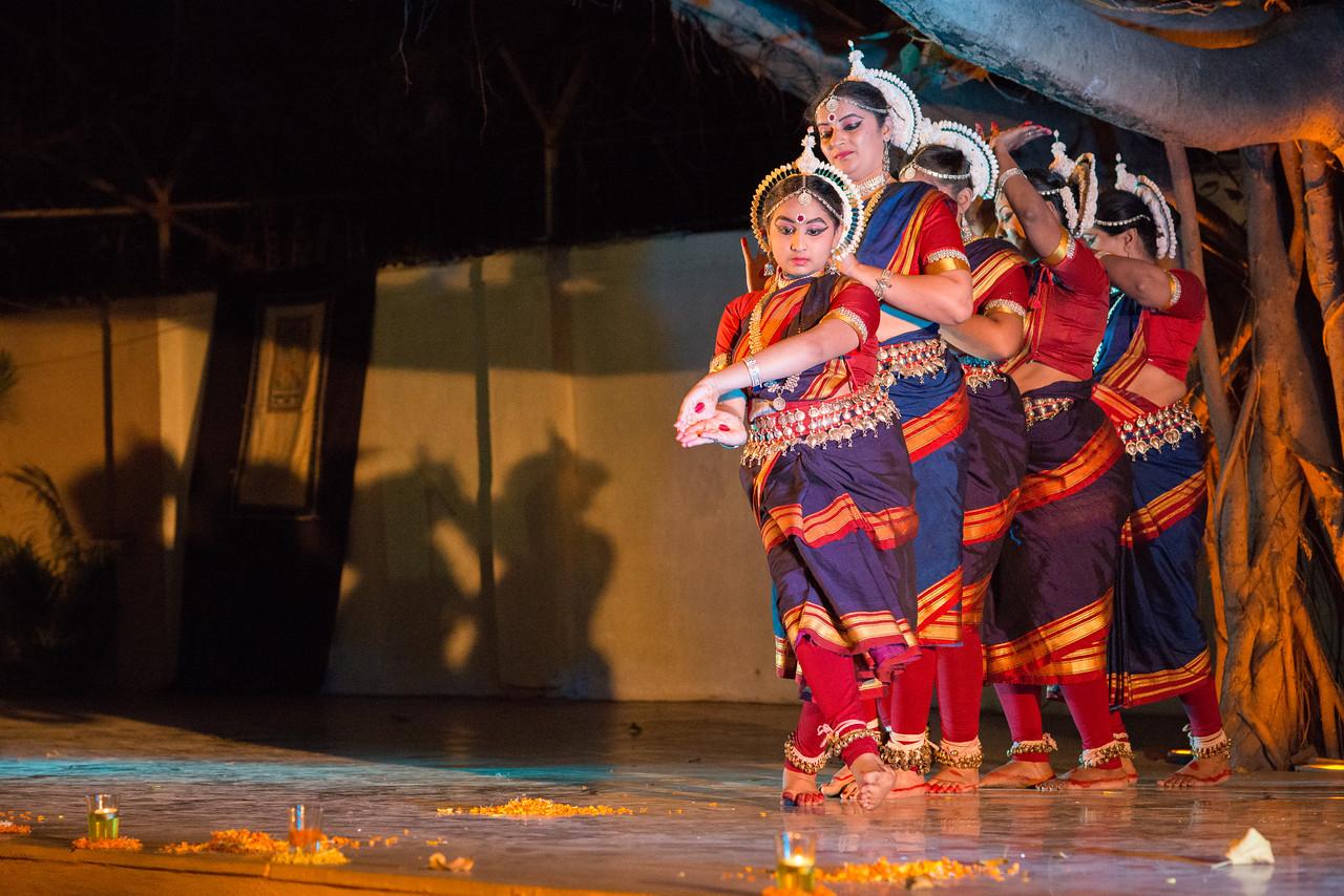 Swapnakalpa Dance Troupe (Mumbai) (Disciples of Smt Swapnakalpa Dasgupta)<br /> Mumbai Odissi Utsav. Day 2 - 18th Feb 2018.