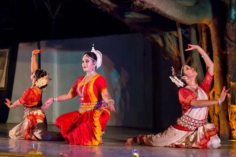 Guru Smt Shubhada Varadkar and disciples Mitali Varadkar and Shreya Sabharwal. Sanskrita Foundation (Mumbai) <br /> Mumbai Odissi Utsav. Day 2 - 18th Feb 2018.
