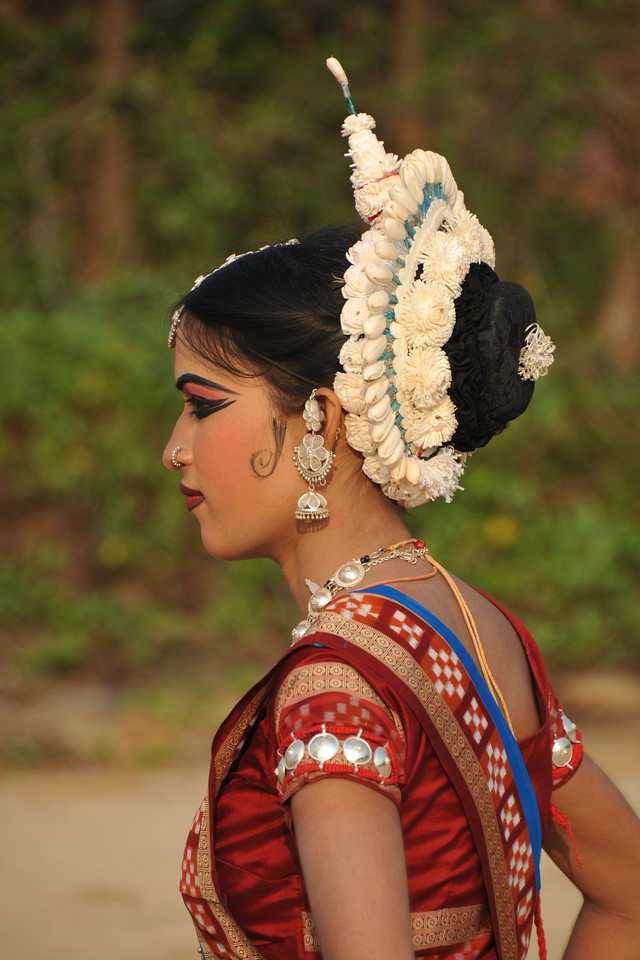 """Interesting head gear and jewellery of Sonali Gope, Odissi dancers of the Konark Natya Mandap at the Konark Beach during their shot. The famous Konark Sun temple is close to this location.<br /> <br /> These dancers have been mentored by the renowned Odissi dance teacher Guru Gangadhar Pradhan who unfortunately passed away last year. For more details on the festival and the organizers, take a look at:  <a href=""""http://konarkfestival.com/"""">http://konarkfestival.com/</a> and  <a href=""""http://www.konarknatyamandap.org/"""">http://www.konarknatyamandap.org/</a>"""