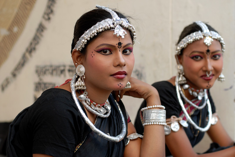 Ladies part of the troupe from Orissa before their performance of song and dance at the Rajasthan Day Celebrations in Jaipur, March/April 2007, India.<br /> <br /> With the aim of showcasing Rajasthan State's culture & heritage and reviving the traditional sports, cuisines and folk-art, Rajasthan Diwas Celebrations were held from 21st March to 30th March 2007. Craft-Bazaar, Food Festival, Night Bazaar, Sports competitions, spectacular fire-works, Mega Cultural Concerts, and competitions for school students were organized.