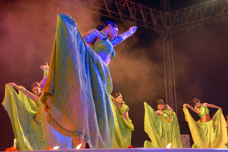 Shiamak Davar and his team's dance at the Rajasthan Day Celebrations in Jaipur, March/April 2007, India.<br /> <br /> With the aim of showcasing Rajasthan State's culture & heritage and reviving the traditional sports, cuisines and folk-art, Rajasthan Diwas Celebrations were held from 21st March to 30th March 2007. Craft-Bazaar, Food Festival, Night Bazaar, Sports competitions, spectacular fire-works, Mega Cultural Concerts, and competitions for school students were organized.