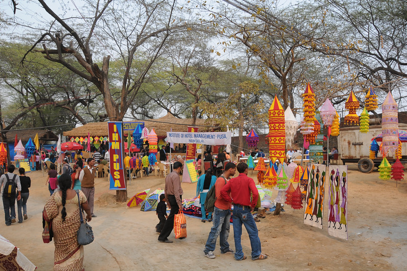 Lot of shopping opportunities at the Suraj Kund Mela 2009 held in Haryana (outskirts of Delhi), North India. <br /> <br /> The Suraj Kund Mela is an annual fair held near Delhi. Folk dances, handicrafts and a lot of fun.