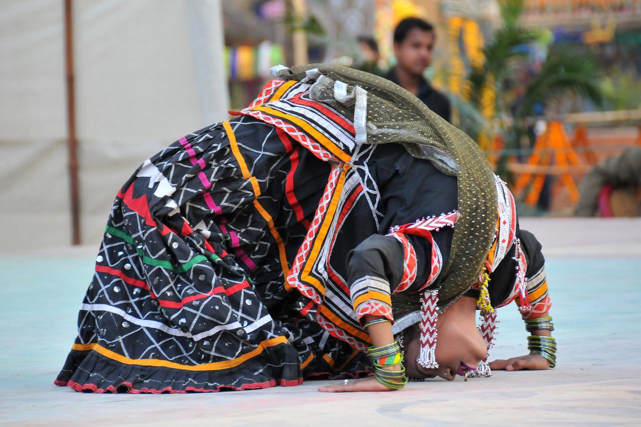 Rajki Sapera troupe; rajasthani; rajasthan; traditional dance; folk dance; dancers; dance; girls; ladies; lady; skirts; black; acrobatic; sarp; snake; snake dance; surajkund; suraj; kund; mela; craft; fair; chaupal; village; handicraft; shopping; haryana; delhi; north; india; south asia; rajasthan; rj; dancer; dance; artist; musicians; performer; festival; annual; event; girls; boys; indian; rural; sale; faridabad; haryana; north india; february; 2010