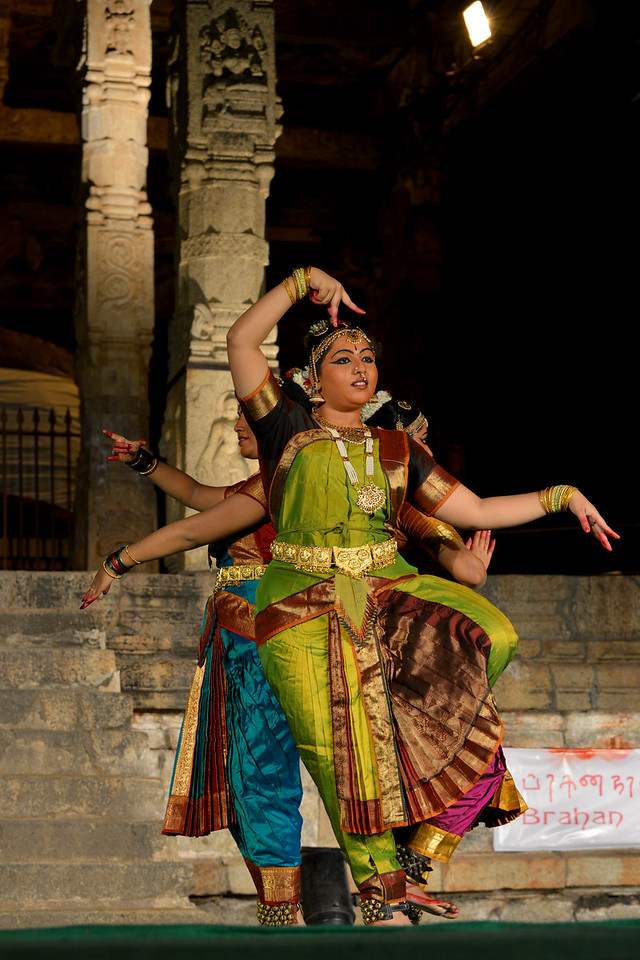"Dance performance by Kalanjali, Chennai. Guru Smt Maya Shyam Sunder. Brahan Natyanjali 2015, Big Temple, Thanjavur, Tamil Nadu, 19th February, 2015. <a href=""http://brahannatyanjali.in/"">http://brahannatyanjali.in/</a>"