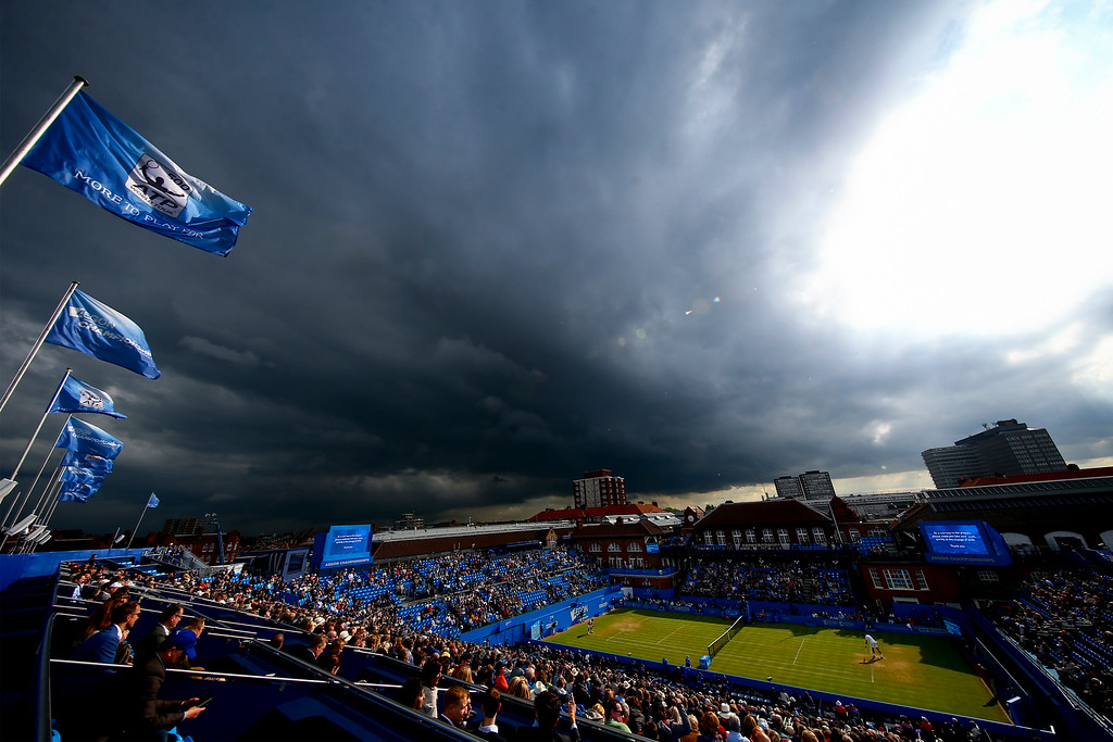 A general view of play during the quarter-final match between Roberto Bautista Agut of Spain and Milos Raonic of Canada during day five of the Aegon Championships at the Queens Club on June 17, 2016 in London, England.