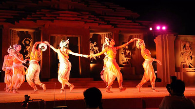 Short video clipf of Odissi Dance Group, Sutra Dance Theatre from Kuala Lumpur, Malaysia. The Konark Dance & Music Festival held from February, 19th to 23rd, 2010 was organized by Konark Natya Mandap.