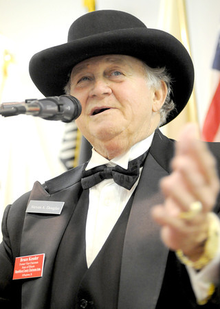 primaryBruce Kessler discusses the political relationship between Stephen A. Douglas and Abraham Lincoln at the Effingham VFW Post 1769.