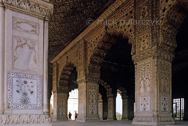 "[INDIA.UTARPRADESH 27179] 'Diwan-i-Khas in Delhi's Red Fort.'  	At Delhi's Red Fort the Moghul emperor would address the highest nobles of his court in the Diwan-i-Khas (""Hall of Private Audience""). The Red Fort was commissioned by emperor Shah Jahan (builder of the Taj Mahal) and completed in the year 1648. Photo Mick Palarczyk."
