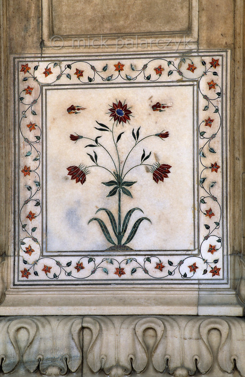 "[INDIA.UTARPRADESH 27180] 'Flowers in Delhi's Red Fort.'  	The Diwan-i-Khas (""Hall of Private Audience"") in Delhi's Red Fort is richly decorated with flowers of inlaid mosaic work. The Red Fort  was commissioned by emperor Shah Jahan (builder of the Taj Mahal) and completed in the year 1648. Photo Mick Palarczyk."