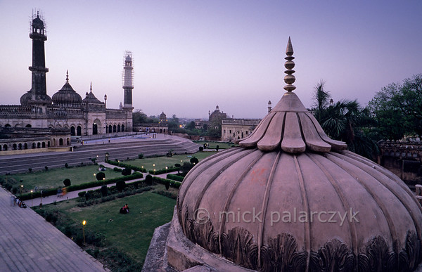 [INDIA.UTARPRADESH 27189] 'Aurangzeb Mosque in Lucknow.'  	The roof of the Bara Imambara in Lucknow offers a view of the Aurangzeb Mosque, a fine example of later Indo-Muslim architecture. Photo Mick Palarczyk.