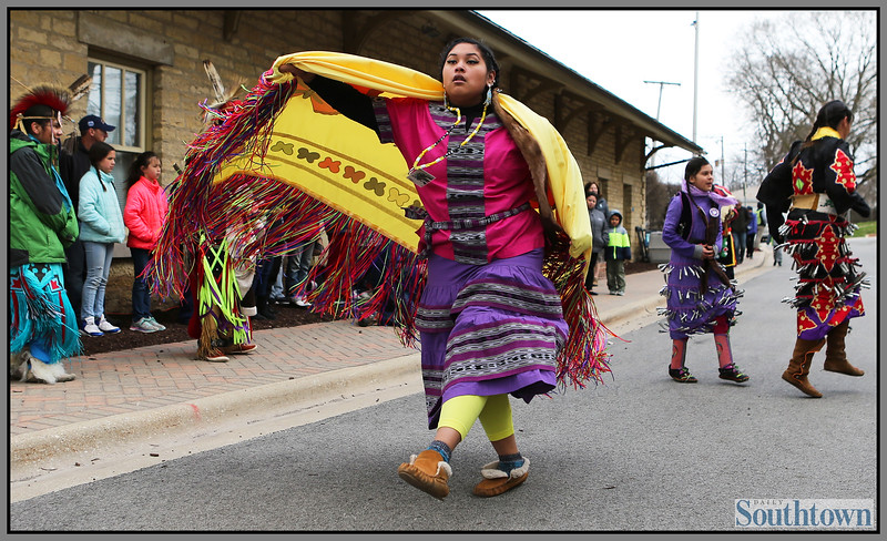 ct-sta-Native-American-center-st-0403-503