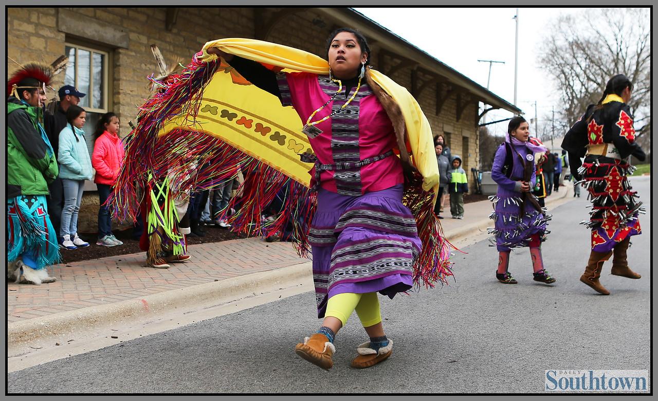 ct-sta-Native-American-center-st-0403-503