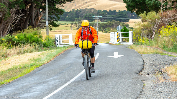 20210206 Fred Hutchings south of Featherston on Aotearoa Cycle Challenge -_JM_9553