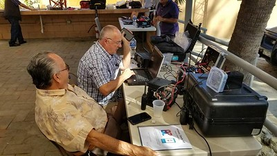 XE2GF and me updating XE2SI Winlink HF portable station, Icom 7300
