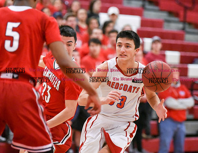 021417  Wesley Bunnell | Staff  Berlin boys basketball vs Manchester on Feb. 14 at Berlin High School. Gianni Fanelli (33)