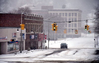 2/12/2019 Mike Orazzi | Staff An empty Main Street in Bristol during Tuesday's storm.