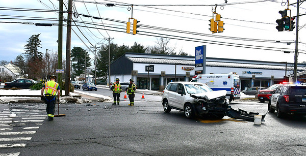 2/15/2019 Mike Orazzi | Staff The scene of a two-vehicle crash at the intersection of Farmington Avenue and Columbus Avenue Friday afternoon. According to police both drivers were transported from the scene with non-life threatening injuries.