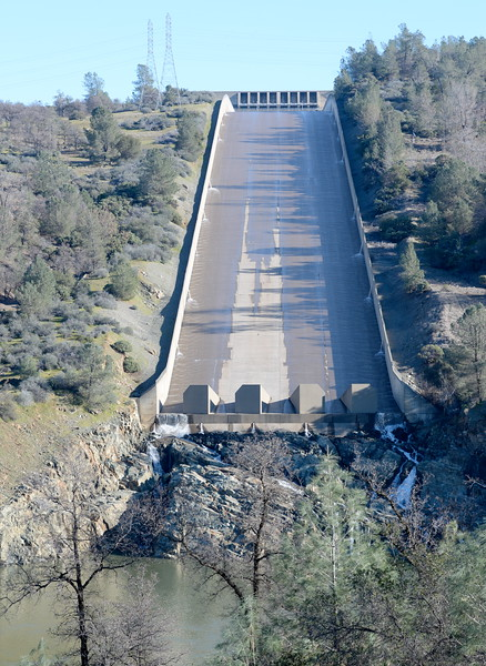 The controlled spillway is seen with very little water flowing Friday Jan. 27, 2017. (Bill Husa -- Enterprise-Record)