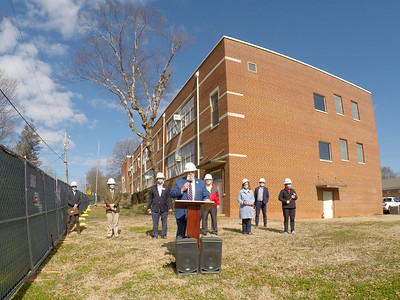 Davidson Mayor Rusty Knox made remarks at the groundbreaking ceremony at the historic 251 South Street school.