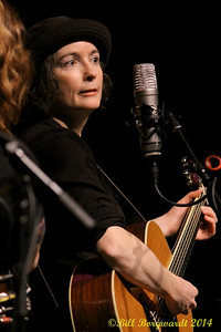 Maria Dunn - Women of Folkways 158