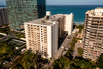 Aerial photo  The Plaza of Bal Harbour Condo