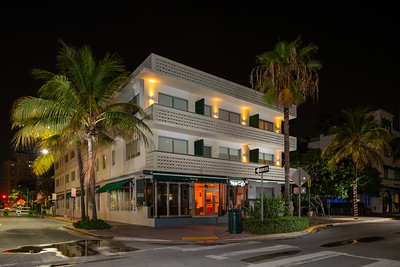 News Cafe Ocean Drive shut down due to Coronavirus Covid 19