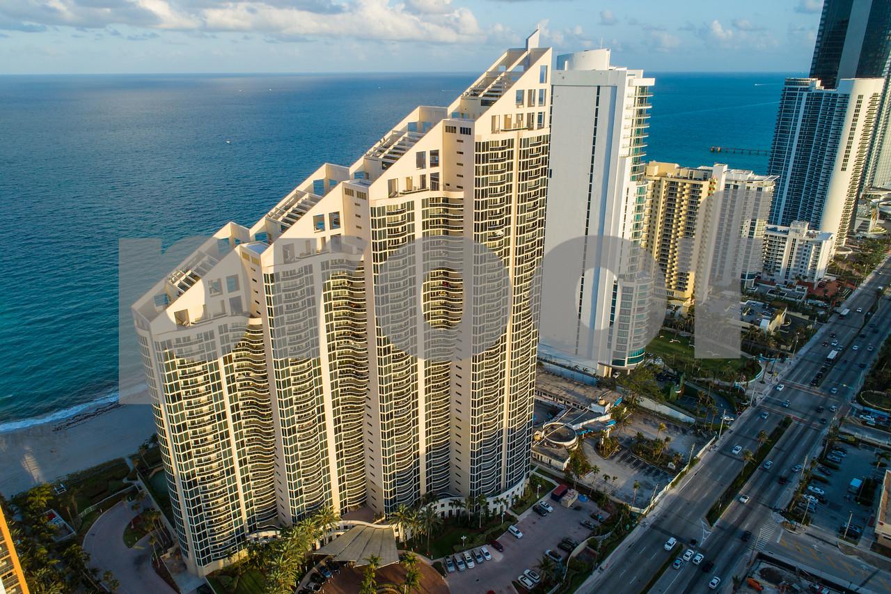 Pinnacle Condominium Sunny Isles Beach FL