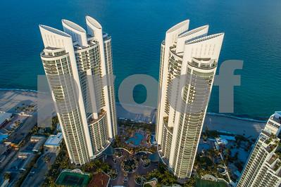 Trump Condominium towers sunny Isles Palace and Grande