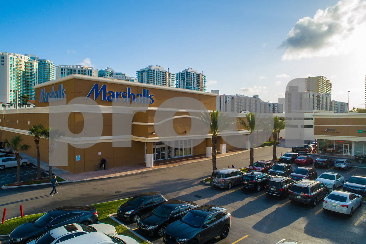 Marshalls clothing and home goods retailer