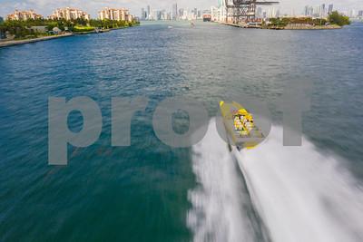 Thriller Miami Beach speed boat