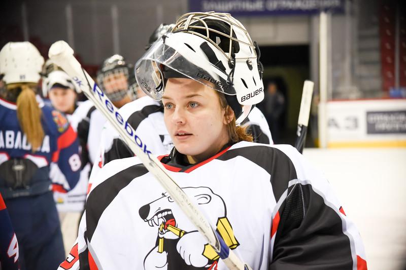 Челябинская команда женской хоккейной лиги Белые медведицы у себя дома дважды встречалась с командой Бирюса из Красноярска. Оба раза победу праздновала красноярская команда.