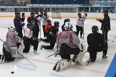 Челябинская женская команда Белые медведицы под руководством тренера Аркадия Белоусова готовится к новому сезону.