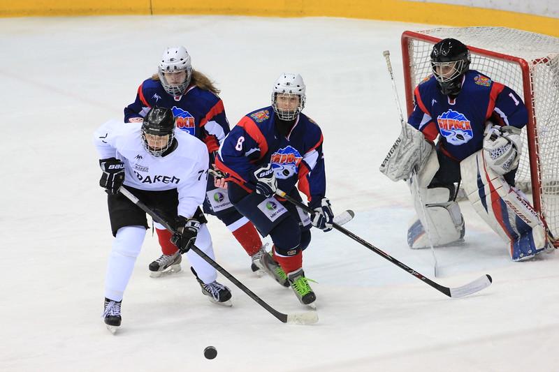 Накануне женская челябинская команда Факел обыграла в чемпионате России красноярскую Бирюсу со счетом 5:3