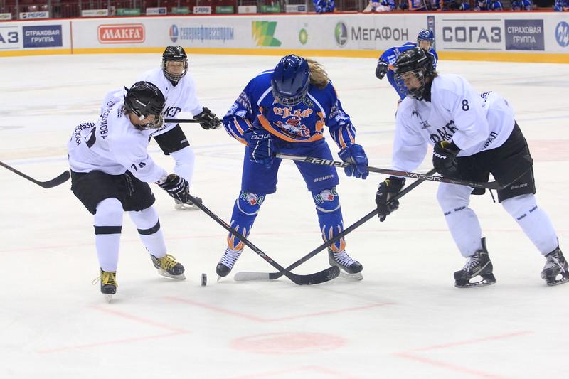 В мачте чемпионата России среди женских команд челябинский Факел проиграл команде СКИФ из Нижнего Новгорода со счетом 3:6