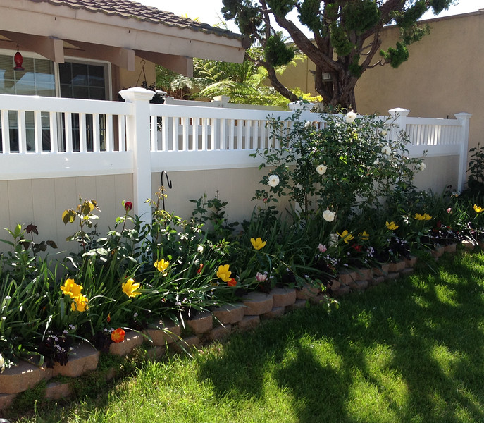 Privacy Fence with Accent Top