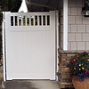 Privacy Gate with Picket Top