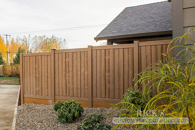 4010 - Sherwood Simulated Wood Panel Fencing