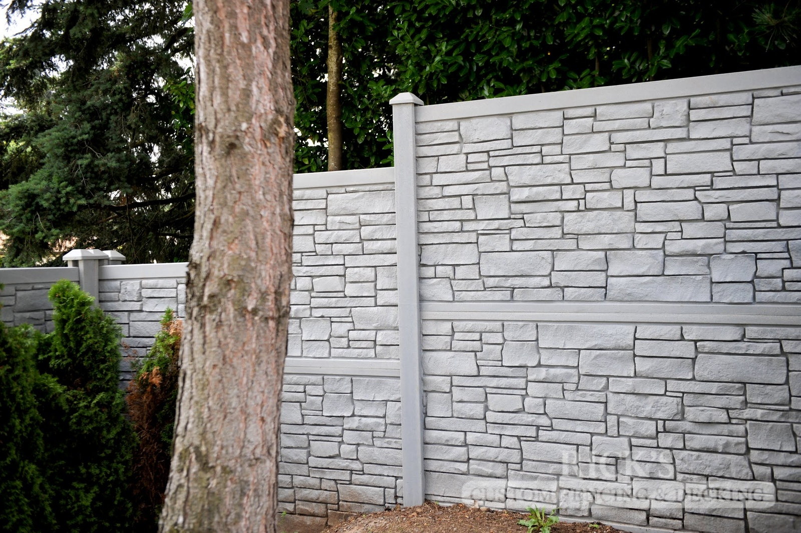 4024 - Allegheny Simulated Rock Fencing