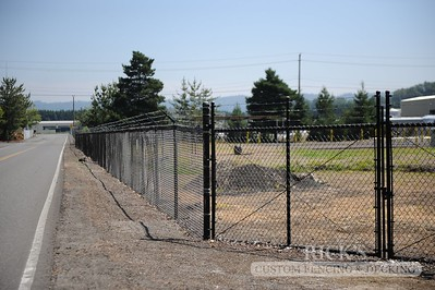 4134 - Black Chain Link Fencing