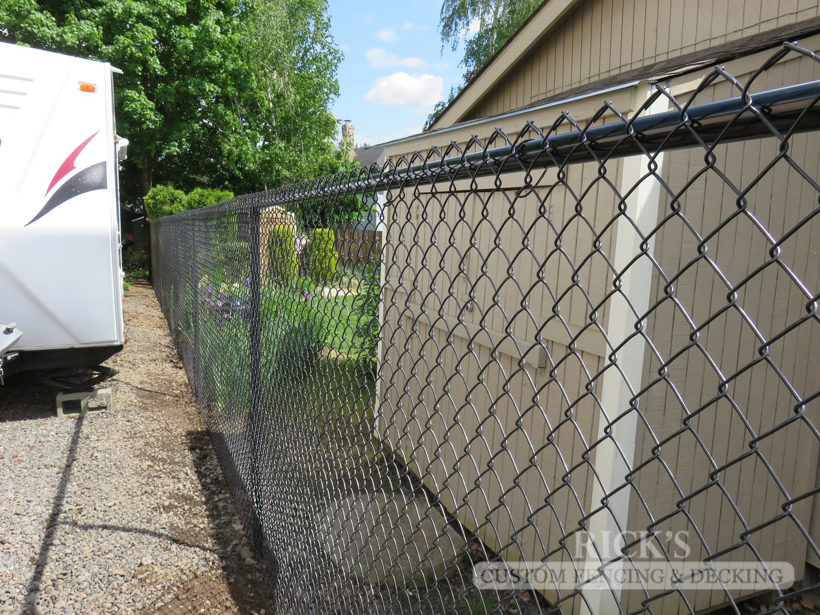 4113 - Black Chain Link Fencing