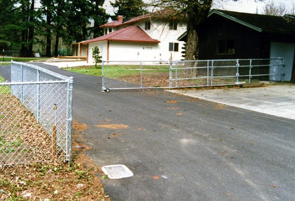 4115 - Galvanized Chain Link Fencing