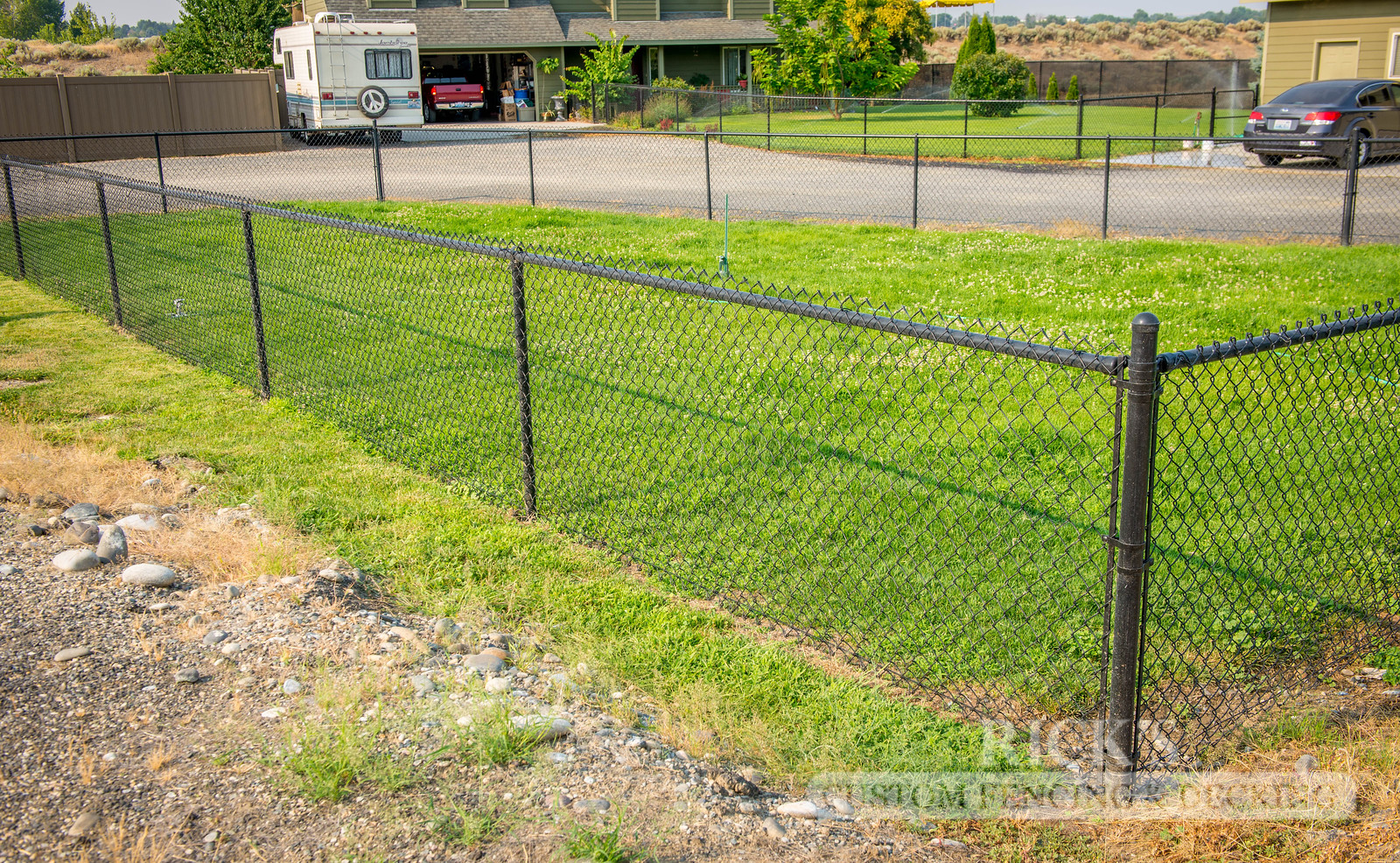 4103 - Black Chain Link Fencing