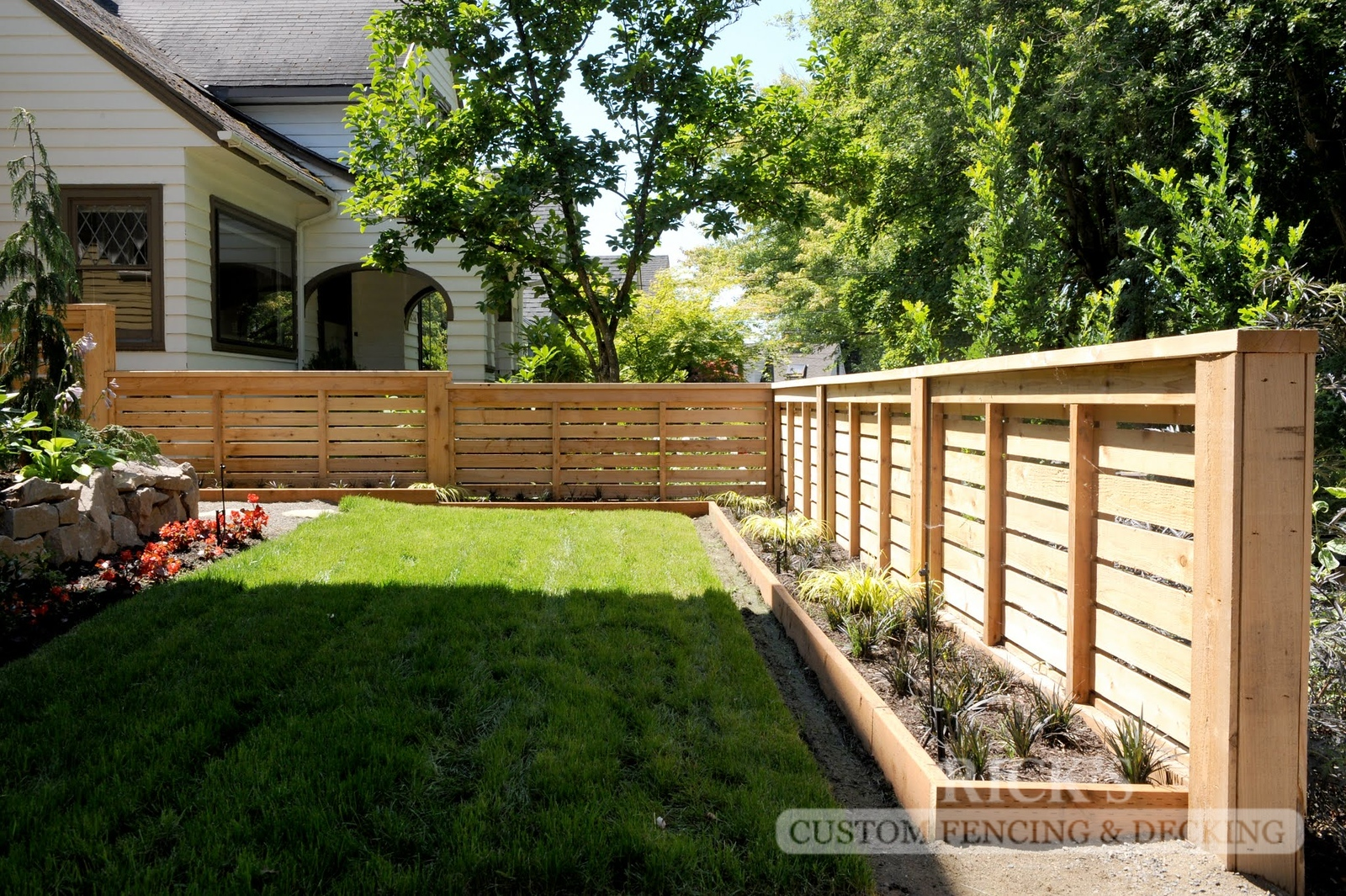 2429 - Custom Cedar Horizontal Fencing
