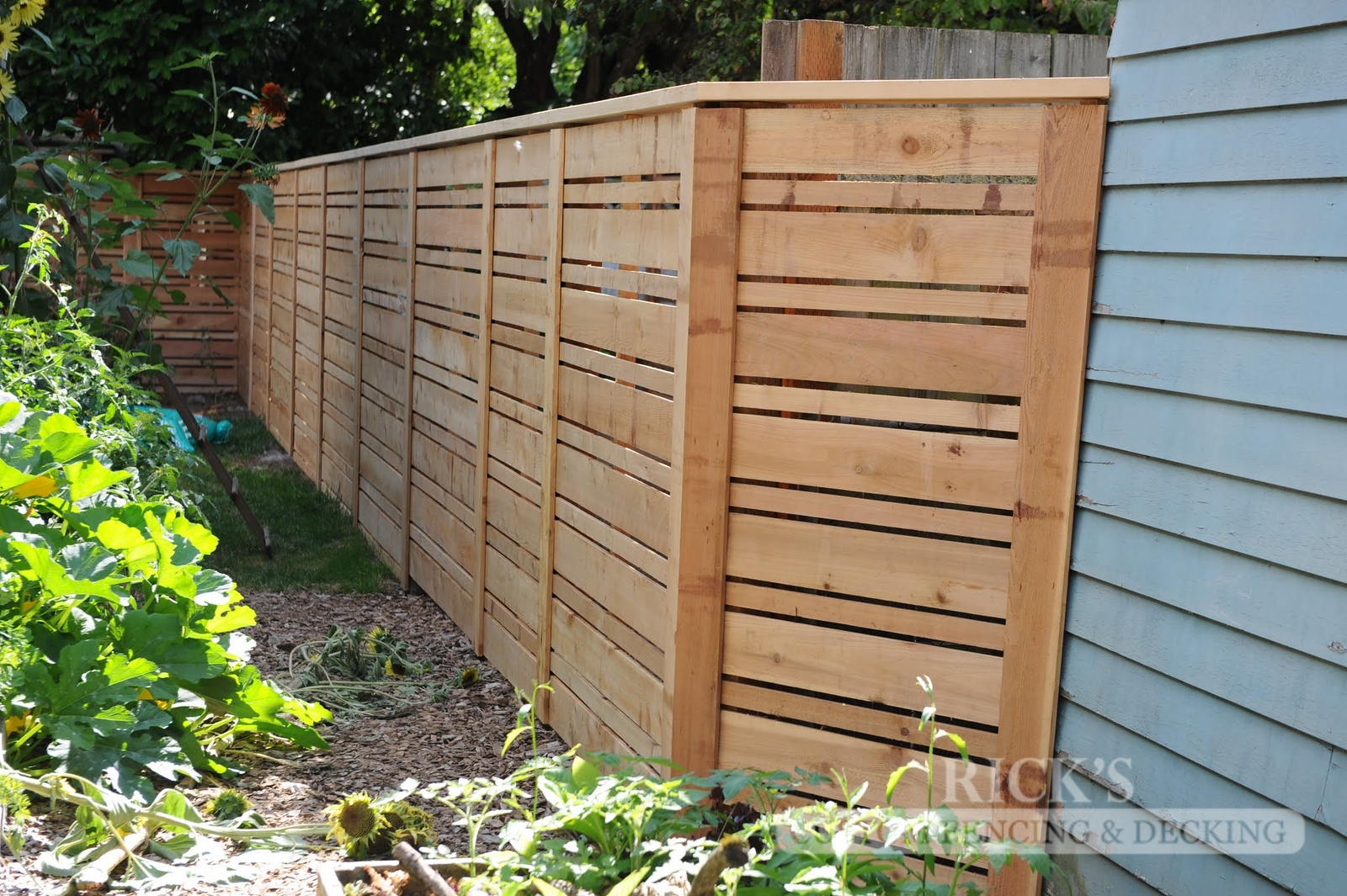 2405 - Custom Cedar Horizontal Fencing