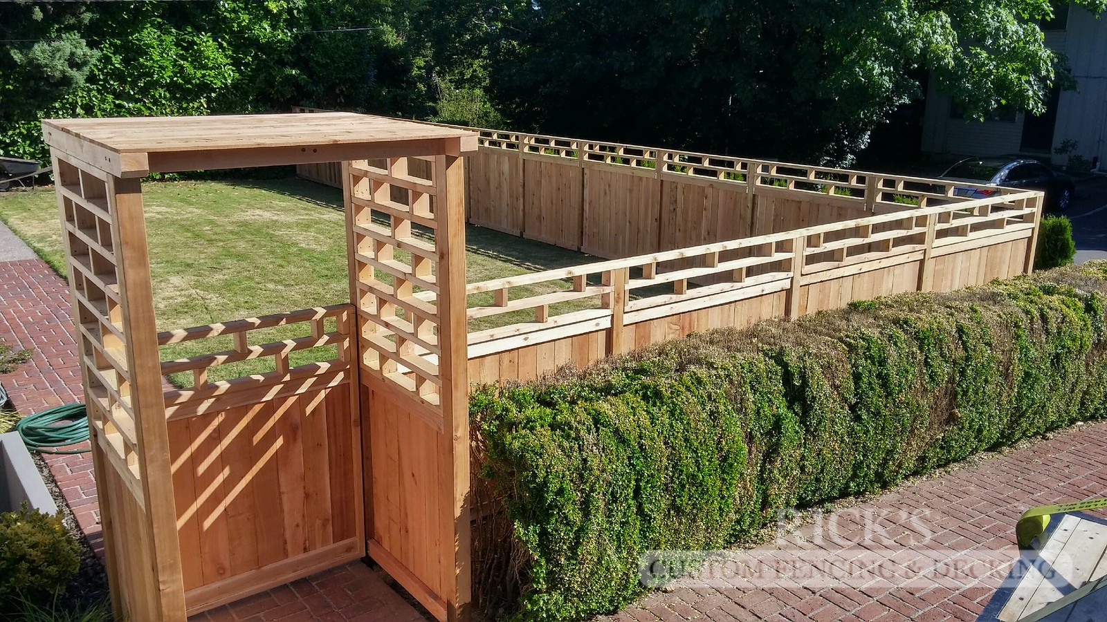 2427 - Custom Cedar Picture Frame Fencing