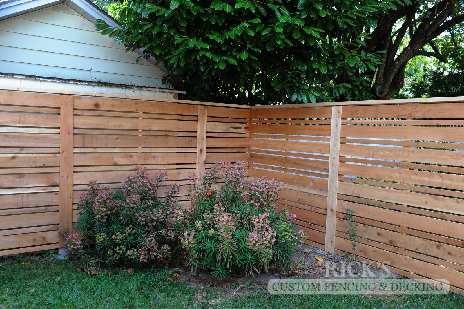 2404 - Custom Cedar Horizontal Fencing